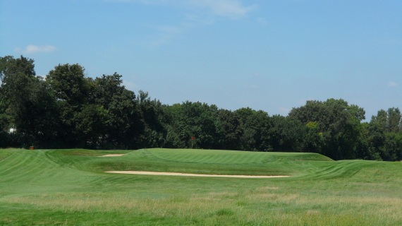 false-front-chicago-golf-club-hole-13-1-copy